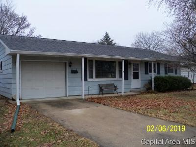 Jacksonville IL Single Family Home For Sale: $85,000