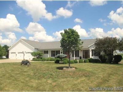 Jacksonville IL Single Family Home For Sale: $257,900
