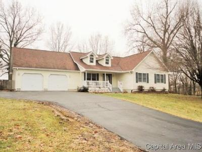 Taylorville Single Family Home For Sale: 3816 Lake Drive