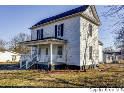 Morrisonville Single Family Home Pending Continue to Show: 210 W Cherokee