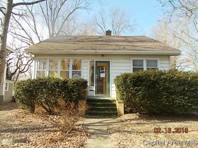 Carlinville Single Family Home For Sale: 418 College Ave