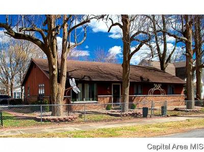 Carlinville Single Family Home For Sale: 503 S West St