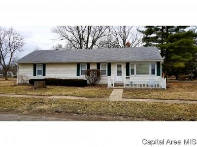 Carlinville Single Family Home For Sale: 732 Johnson St