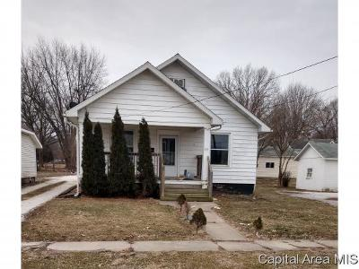 Jacksonville IL Single Family Home For Sale: $28,000