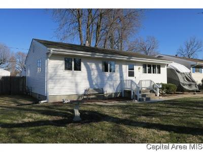 Springfield Single Family Home For Sale: 614 St. Marys Ave.