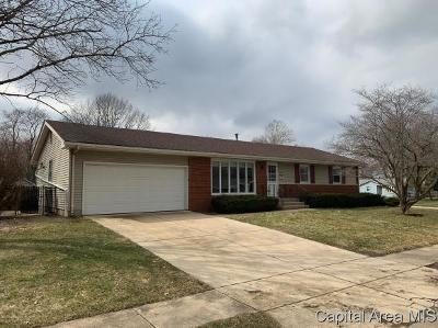 Springfield Single Family Home For Sale: 63 Locksley Ln