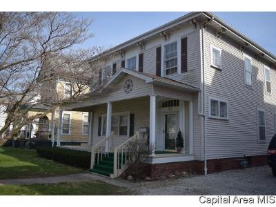 Jacksonville IL Single Family Home For Sale: $97,500