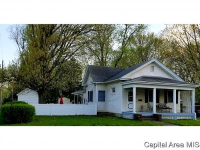 Carlinville Single Family Home For Sale: 637 E 1st South