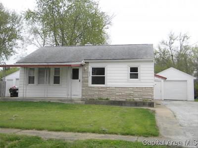 Jacksonville IL Single Family Home For Sale: $59,900