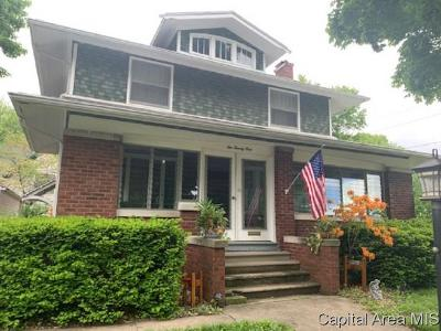 Taylorville Single Family Home For Sale: 221 E Franklin St