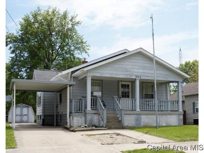 Taylorville Single Family Home For Sale: 920 E Elm