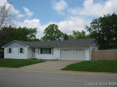 Springfield Single Family Home For Sale: 2005 Carol Ln.