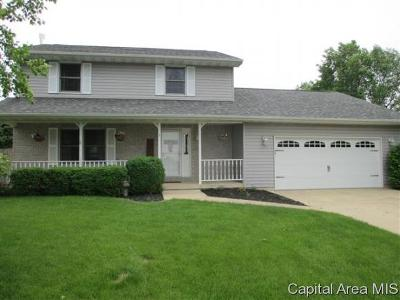 Jacksonville IL Single Family Home For Sale: $219,900