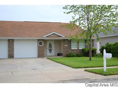 Jacksonville IL Single Family Home For Sale: $117,000