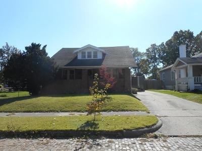 Danville Single Family Home For Sale: 8 Dodge Ave.