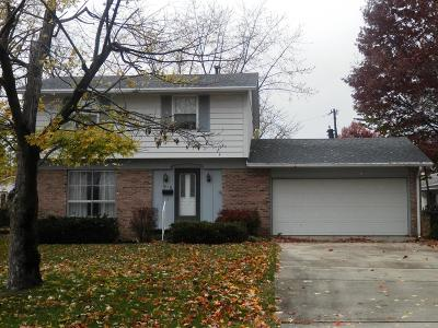 Single Family Home For Sale: 916 W Woodlawn Ct