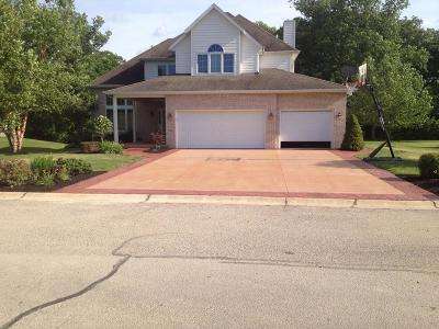 Danville Single Family Home For Sale: 122 Devonshire