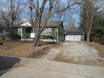 Danville Single Family Home For Sale: 817 Commercial