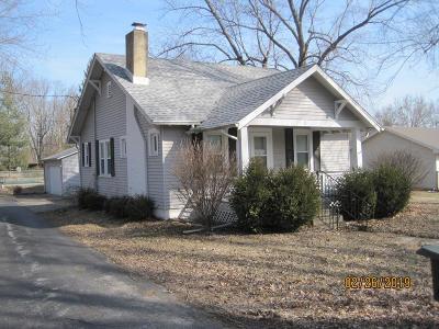 Danville Single Family Home For Sale: 9 Monroe