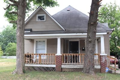 Danville Single Family Home For Sale: 24 S Griffin