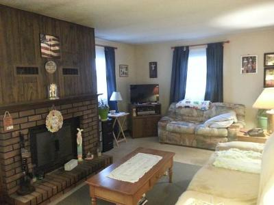 Bethany IL Single Family Home For Sale: $89,900