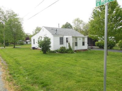 Decatur IL Single Family Home For Sale: $49,900