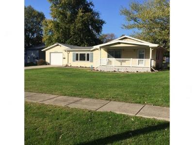Maroa Single Family Home For Sale: 309 S Locust St