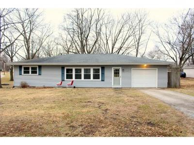 Mt. Zion Single Family Home For Sale: 515 Sunset Dr