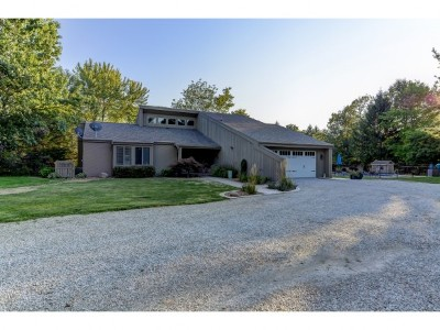 Single Family Home For Sale: 865 Cr 900 N