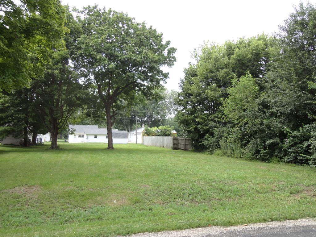 1030 N Walnut, Shelbyville
