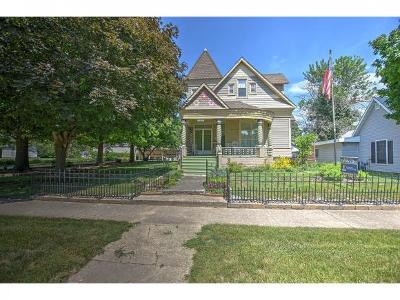 Single Family Home For Sale: 184 E Elm