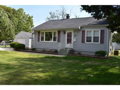 Decatur IL Single Family Home For Sale: $69,000