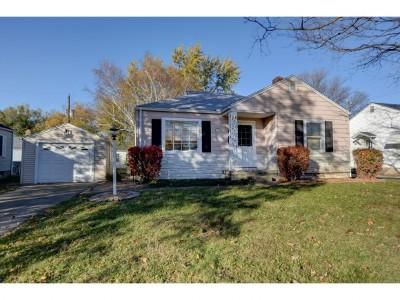 Single Family Home For Sale: 512 E Maywood Ct