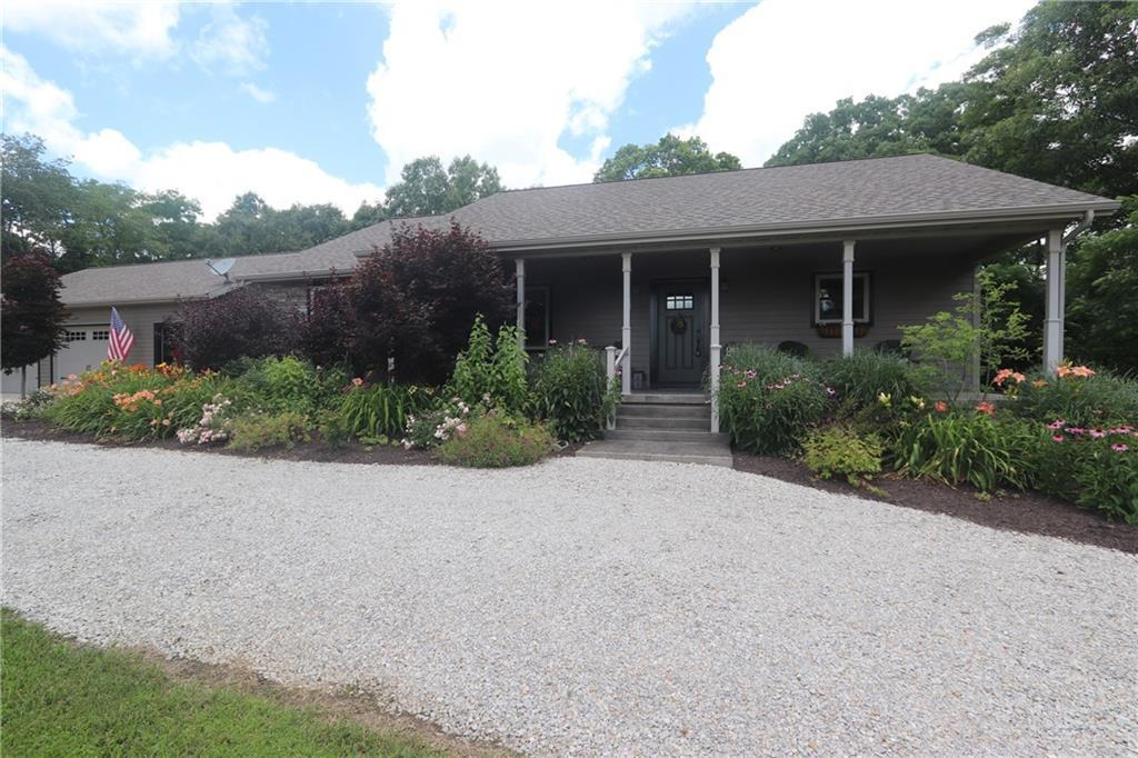 1959 E 1600 North Road, Shelbyville