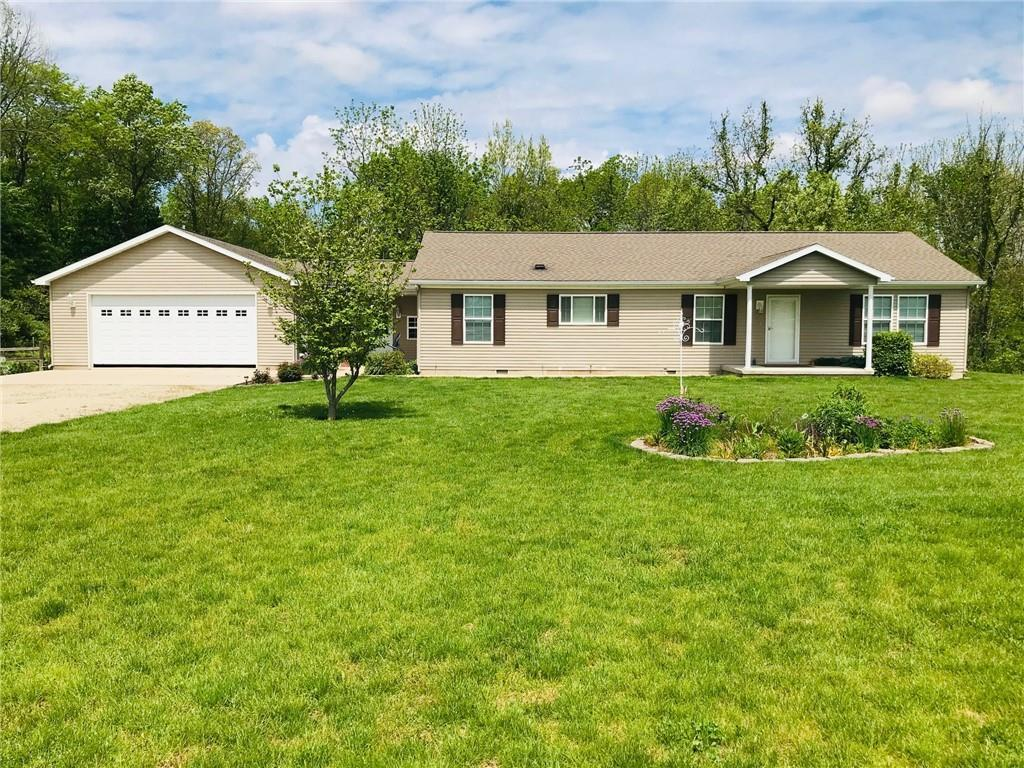 1925 1100 North Road, Shelbyville