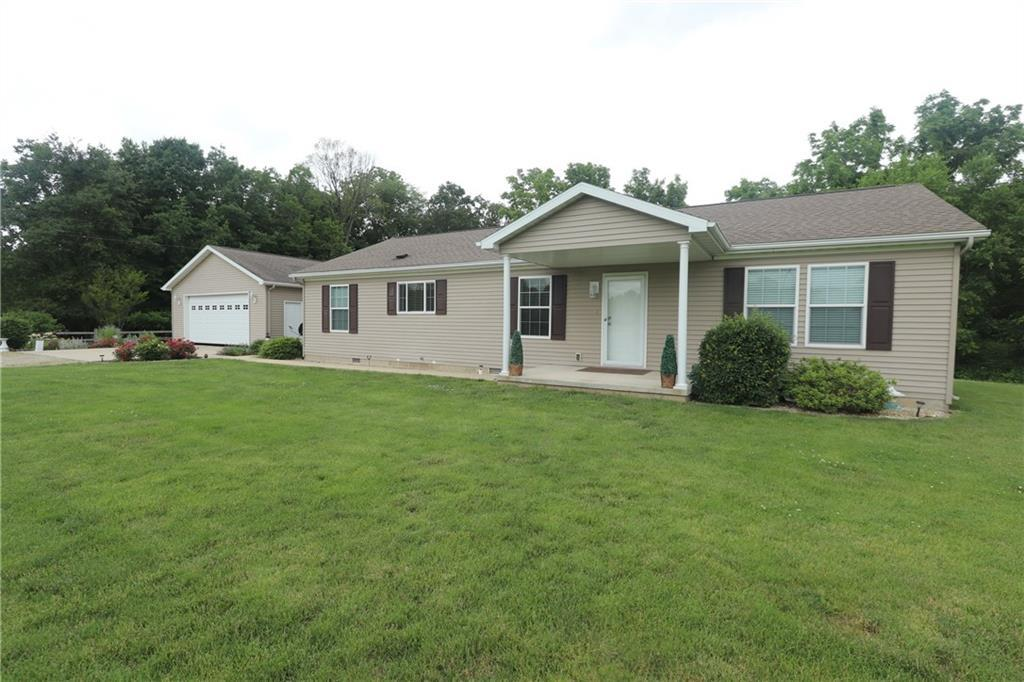 1925 E 1100 North Road, Shelbyville