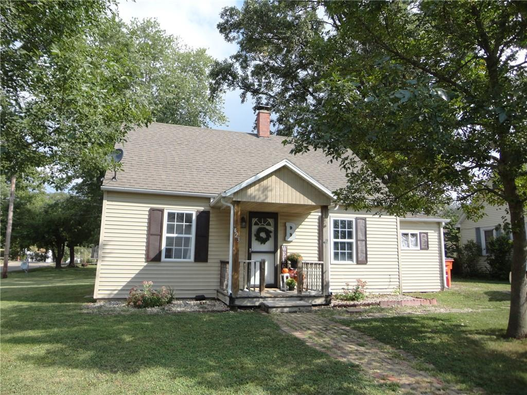 423 SW 4TH Street, Shelbyville