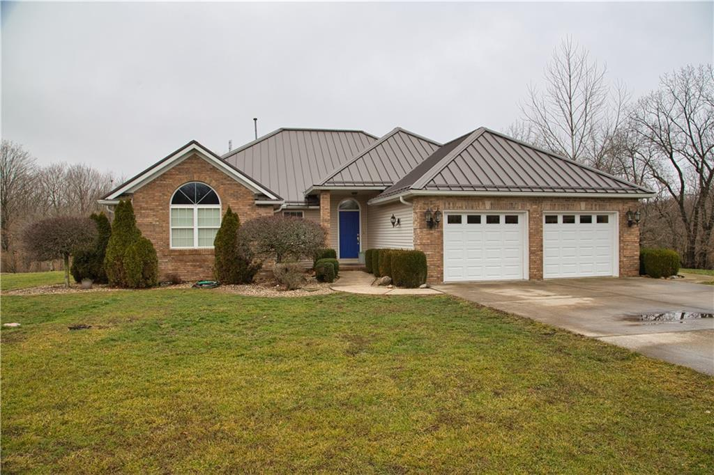 1133 N 1915 East Road, Shelbyville
