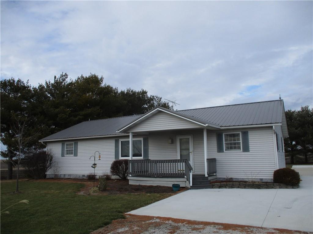 1795 E 1600 North Road, Shelbyville