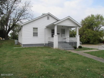 Single Family Home For Sale: 103 Grove