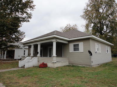 West Frankfort Single Family Home For Sale: 206 N Washington Blvd