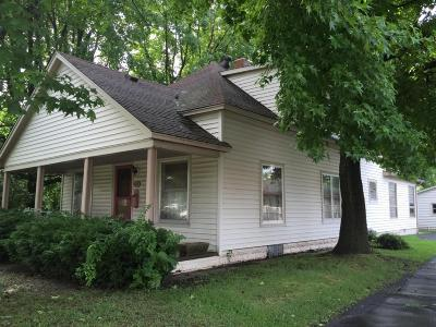 West Frankfort Single Family Home For Sale: 808 E Main Street