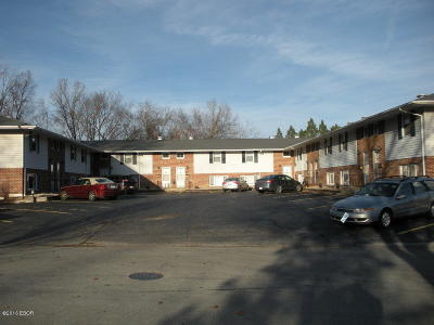 Carbondale Multi Family Home For Sale: 2106 W Woodriver