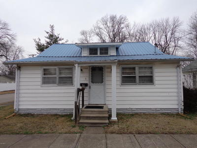 Single Family Home For Sale: 728 W Parish Street