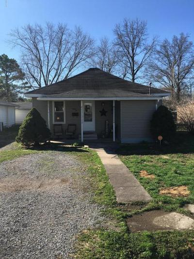 Single Family Home For Sale: 1210 E 5th Street