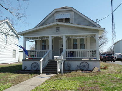 Harrisburg IL Single Family Home For Sale: $52,500