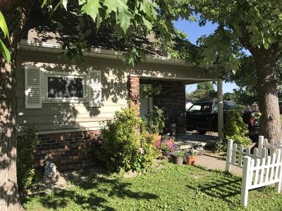 West Frankfort Single Family Home For Sale: 211 S Douglas Street