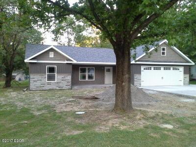 Benton Single Family Home Active Contingent: 1202 S Wilson