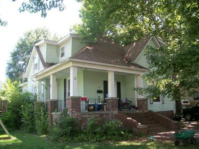 Single Family Home For Sale: 203 W Lincoln