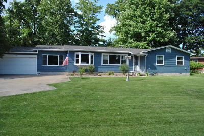 Carterville Single Family Home For Sale: 402 Country Club Road
